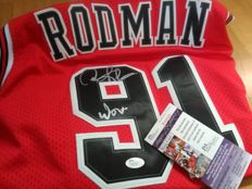 Dennis Rodman - Signed Chicago Bulls jersey with COA - JSA