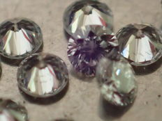 Lot of 6 brilliant-cut natural diamonds of 2.40 mm, total weight 0.35 ct, E/VVS / 6 natural diamonds, VVS quality, colour E. Total weight 0.35 ct.