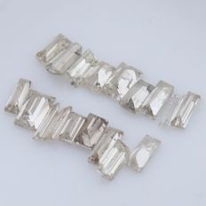 18 Straight and Tapered Baguette Diamonds – 0.65 ct. - *** NO RESERVE ***