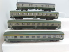 Lima N - 320322/320883/320884 - 4x DEV AO green/beige wagons of the SNCF