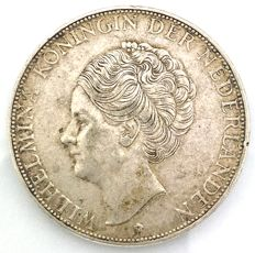 The Netherlands – 2½ guilder coin 1932, Wilhelmina with coarse hair – silver