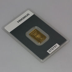 Heraeus gold bullion, 5 grams - 999 fine gold - safely packed in blister - with certificate and serial number