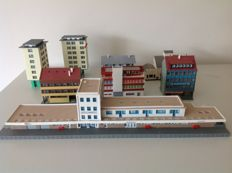 Vollmer N -  Unterlennigen Station with 7 buildings and accessories