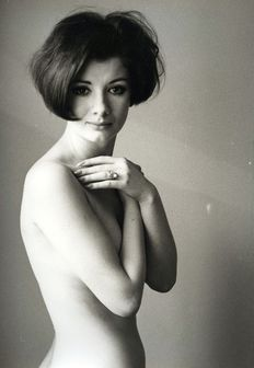 Gert Kreutschmann (1920-1988) - Nude young woman in semi-profile, around 1966 + portrait, around 1966