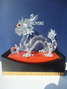 Swarovski - Annual Edition The Dragon, with display.