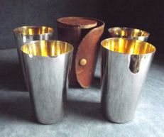 Beautiful Set of 4 goblets used for hunt - can be stacked to be kept in their original leather case - 1920s