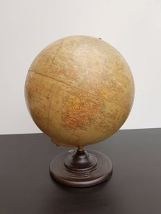 Philips Globe (George Philip & Son London) - Dutch Globe
