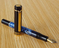 Senator Germany blue marble and black GT piston filler fountain pen