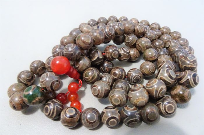 Tibetan prayer necklace 108 agate 3 eyes dzi beads - Tibet - 21st century