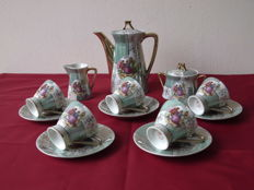15 piece antique Mocha set, special colour green/white and gold. Block pattern