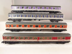 Arnold N -  3211/3212/0325F/0326F -  4 Pop-Coloured carriages of the DB