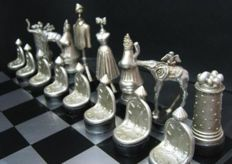 Salvador Dali (after) - Surreal sculptoric chess