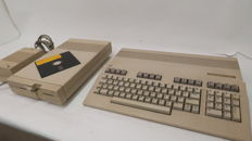 Commodore 128 Computer + Commodore 1571 Diskette and Power Suplply C128