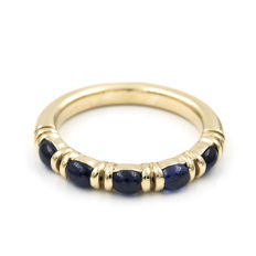 Ring in 18 kt gold – 1.50 ct of sapphires – Internal diameter: 17.10 mm (approx.)