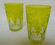 Pair of Baccarat crystal tooth glasses, green overlay, Richelieu pattern - signed, France, after 1936