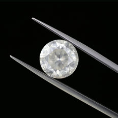 Natural F color 5.01 Ct. Round Brilliant cut diamond, AIG Certified