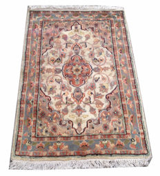 Fine Quality Hand Knotted Silk Wool Cashmeri Carpet Area Rug 96 cm x 62 cm