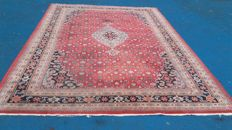 Beautiful hand-knotted oriental carpet, 354 x 251 cm, no reserve, bidding starts at €1.