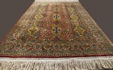 Outstanding and genuine Ghoum (Qum) Persian rug, antique, early 20th century. Approx. 150x100 cm.  Natural plant-based colours In excellent condition. Private collection!