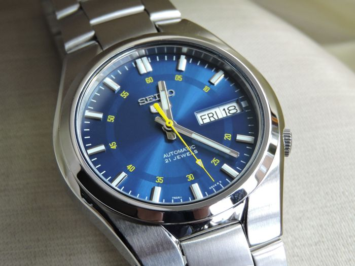 promo code 78653 946bb Seiko 5 stainless steel, automatic men's watch - June 2017 ...