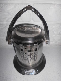 Special Art Nouveau pewter ice bucket, from ca. 1910, with beautiful glass interior, a unique piece, rarely seen!