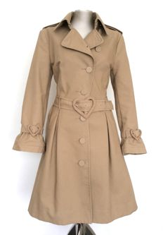 Viktor en Rolf, collector's item, the beige trench coat in cooperation with H&M, no reserve.