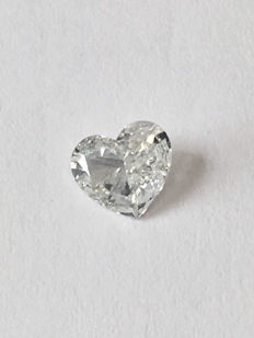 1x 0.52 ct heart cut brilliant cut, colour F (1+), clarity SI 2