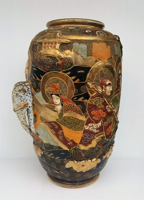 Antique Satsuma Vase With Figurines And Elephant In Relief Of 31 Cm