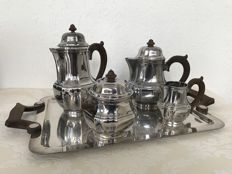 Christofle Paris - Coffee- and tea set on serving tray, France, ca. 1930.