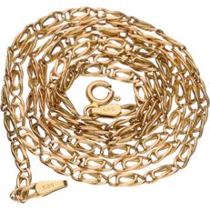 Yellow gold tooled curb link necklace in 14 kt