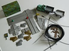 SCHUCO, US Zone Germany - Length 11-21 cm - Lot with tin Varianto 3042 Lasto and other parts and plastic Teleco 3002 Boat with clockwork motor, 1950s