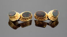 18k yellow gold vintage cufflinks with bloodstone ( 3 ct total ) ca. 1970