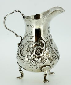 A Victorian silver cream jug, London - 1878
