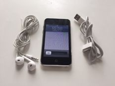 Apple iPod Touch 8 GB Model: MC086NF