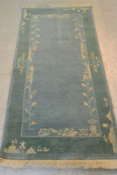 Hand-knotted Nepali carpet, 142  72 cm End of the 20th century