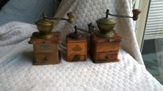 Three special coffee grinders / lap coffee grinders / hand coffee grinders; BeHa Mocca (Bernhard) - PeDe - mid 20th century in very good condition.