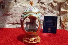 House of Fabergé - Collector's Carousel egg - Porcelain - Swarovski rhinestones - 24 k gold plated finish - (18 cm / 400 g)