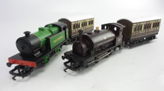 Hornby 00 - R2597/2439/468 - Two steam locomotives, Class 0F. 0-4-0ST. Queen Elizabeth II and SR bright green 0-4-0T industrial locomotive with two carriages
