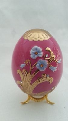 "House of Fabergé - Collector egg "" the empress eternal spring "" - porcelain - gold paint 22 k - copy coa"
