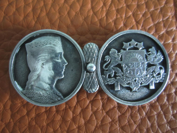 Belt buckle silver coin Latvia, MILDA & coat of arms, 5 Lati around 1930