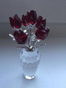 Swarovski - Vase with Red Roses.