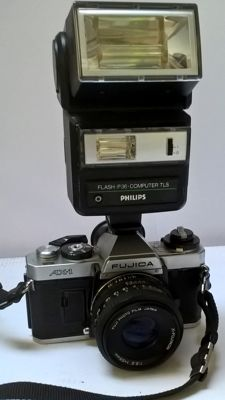 Fujica AX-1 with X-Fujinon 55mmf2.2 lens and Philips flash P36CTLS (1980)