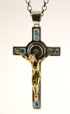 925 Silver and 14kt yellow gold Cross and Jesus- diamonds 0,07ct - 50cm