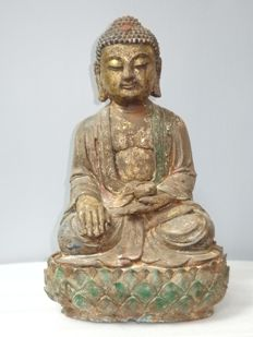 Large cast iron Bodhisattva figurine sitting on lotus seat in meditation - China - late 20th century