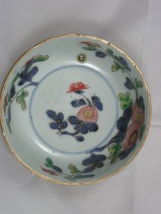 Imari bowl with floral decoration - Japan - 1750-80