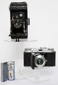 2 Voigtlander bellows cameras from, among others, 1931