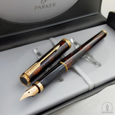 Vintage Parker Premier Chinese Lacque Fountain Pen    New Old Stock /  Near Mint Condition