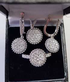 Set of Ring, Earring and Pendant with  diamonds total 2.10 ct