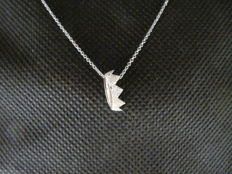 18 kt white gold necklace - Length: 42 cm.
