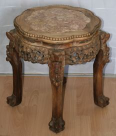 Richly carved rosewood side table – China – mid 20th century